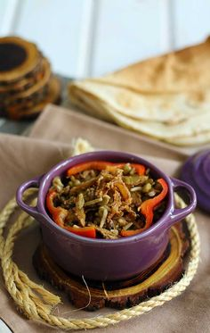 This moudardara or mujadara recipe is a traditional Lebanese recipe of lentils with rice and caramelized onion. Its bursting with amazing flavors and its a delicious vegetarian comfort meal. Vegan Lentil Recipes, Best Vegetarian Recipes, Rice Recipes, Veggie Recipes, Healthy Recipes, Yogi Food, Vegan Main Dishes, Lebanese Recipes, Kitchens