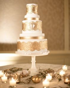 To see more stunning wedding cakes: http://www.modwedding.com/2014/11/17/spoil-guests-incredible-wedding-cakes/ #wedding #weddings #wedding_cake Photo: Jana Williams Photography