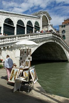 The Grand Canal and Rialto Bridge, Venice Rialto Bridge, Places In Italy, Pack Your Bags, Grand Canal, Venice Italy, Marina Bay Sands, Places To Travel, Places Ive Been, Plane