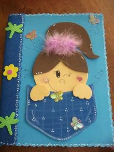 Este me encantó Foam Crafts, Diy And Crafts, Crafts For Kids, Paper Crafts, Quiet Book Patterns, Pencil Toppers, School Decorations, Felt Diy, Classroom Decor