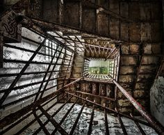 The sensitively-named Trans-Allegheny Lunatic Asylum opened for business in 1864 Abandoned Asylums, Abandoned Places, Old Buildings, Abandoned Buildings, Creepy Houses, Stone Masonry, Haunted Places, Places Around The World, Stairways