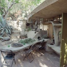 Cosanti House: Architect: Paolo Soleri Location: Paradise Valley, Phoenix, AZ Built : 1956  Arcology is a philosophy created by Soleri that is defined as the place where ecology and architecture meet. Arcosanti, an urban laboratory, constructed in the Arizona high desert was created to test and demonstrate an alternate human habitat. Although the Cosanti complex is not part of the Arcosanti, it still embodies the spirit of arcology.   Many of the structures at Cosanti have been placed…