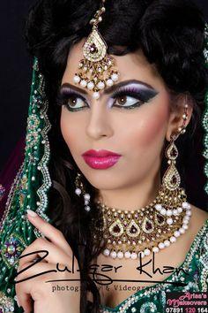 eye makeup goes with hazel eyes eye makeup cause chalazion makeu Makeup chalazion Eye Eyes hazel Makeu Makeup Indian Makeup And Jewelry, Indian Bridal Makeup, Asian Bridal, Bridal Make Up Inspiration, Pakistani Makeup, Craft Eyes, 90s Makeup, Eye Makeup Remover, Makeup Brushes