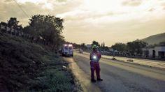 Casco EOM Amarillo Brillante Sicor, Lámpara de polímero LED Nightstick , fajilla paramédico EMS apoyando la labor de los Profesionales de Protección Civil Santiago, Nuevo León.   EMS Mexico | Equipando a los Profesionales