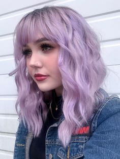 egirl status achieved 🥺👉👈 ARCTIC FOX HAIR COLOR emma elizabeth egirl status achieved 🥺👉👈 also never posted a picture in my horror jacket until now even though I constantly wear it? Light Purple Hair, Lilac Hair, Hair Color Purple, Gray Hair, Short Lavender Hair, Purple Hair Tips, Best Purple Hair Dye, Girl With Purple Hair, Purple Bob
