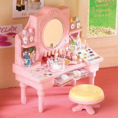 Sylvanian Families Beauty Salon Dressing Table