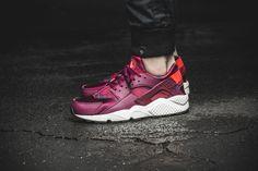 Girls, the Nike WMNS Air Huarache Run Print is available at our shop now! EU 36 - 42 | 120,-€