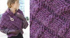 Une étole au point fantaisie Imitant un tissage XXL ce point fantaisie très en relief crée un tricot épais et très chaud. Une étoleidéale pour réchauffer une veste un peu légère.