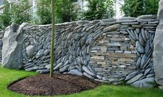 How to use the natural stone wall as garden fencing panels? decorative ideas for garden fence designs and ideas, stone garden fence panels 2017 Garden Fencing, Garden Landscaping, Landscaping Design, Stone Landscaping, Rock Wall Gardens, Pierre Decorative, Jardin Decor, Fenced Vegetable Garden, Stone Fence