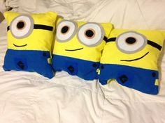 despicable me - minion throw pillow