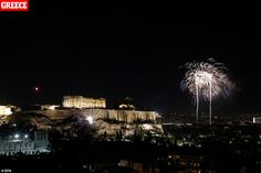 Fireworks illuminate the Athenian sky as the temple of Parthenon sits atop the Acropolis hill during the New Year celebrations in Athens Greece, 01 January, 2020 Happy New Year Everyone, Happy New Year 2020, Parthenon, Acropolis, New Year In Scotland, Edinburgh Hogmanay, New Year's Eve 2019, Dublin House, Best Fireworks