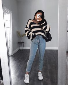 Jeans Outfit Winter, Outfit Jeans, Winter Fashion Outfits, Denim Fashion, Look Fashion, Spring Outfits, Skater Fashion, Woman Fashion, Outfits With Skinny Jeans