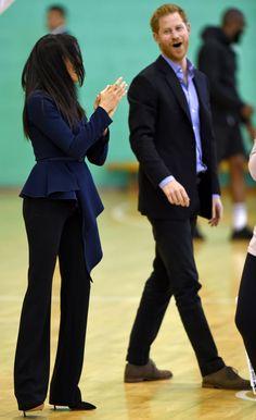 24 September 2018 - Harry and Meghan attend Coach Core Awards at Loughborough University - blouse by Oscar de la Renta, trousers by Altuzarra Prinz Harry Meghan Markle, Harry And Megan Markle, Meghan Markle Prince Harry, Prince William And Harry, Prince Harry And Megan, Harry And Meghan, Duke And Duchess, Duchess Of Cambridge, Princess Meghan