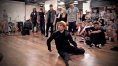 Crossover round and finals of the Invitational Battle Lindy Hoppers vs. Street Dancers at Montreal Swing Riot http://montrealswingriot.com Street Dancers  À Montréal, on est hot de même :) Hihi