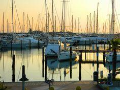Marina Di Rimini, Rimini - Harbor, sunrise, Nikon Coolpix L310, 18.6mm, 1/200s, ISO60, f/4.5, +0.7ev, HDR photography, 201707110603