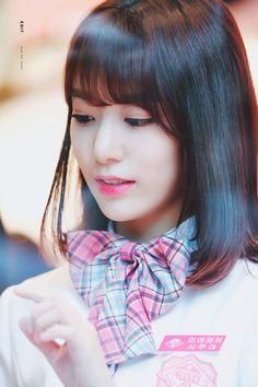 I'm still I love with this picture of Sakura. Sakura Miyawaki, Kagoshima, Japanese Girl Group, Interesting Faces, Idol, Pretty, Beautiful, Japanese Goddess, Hkt48