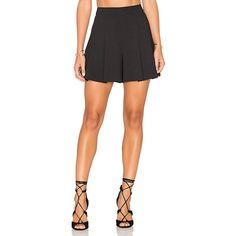 Alice + Olivia Lorna Highwaist Back Zip Pleat Short (735 BRL) ❤ liked on Polyvore featuring shorts, high-waisted shorts, zipper shorts, high waisted pleated shorts, high waisted short shorts and high rise shorts