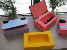 Koulun kässä ja teku: Puiset korurasiat huopasaranoilla