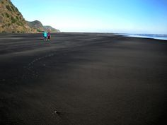 Black Sand Beach. Karekare Beach, New Zealand