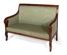 Sofá de madera de cerezo maciza. Época Directorio. Circa 1800