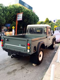 Land Rover Defender 110, Landrover Defender, Pick Up, Aigle Animal, Vw Pickup, Suv 4x4, Land Rover Series 3, Range Rover Supercharged, 4x4 Off Road