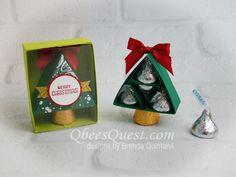 Qbees Quest: Hershey's Mini Christmas Tree with Gift Box Christmas Favors, Christmas Tree With Gifts, Christmas Crafts For Kids, Christmas Candy, Xmas Gifts, Christmas Things, Diy Gifts, Christmas Ideas, Hershey Kisses