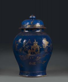 A large potiche in blue and gold porcelain, Qing dynasty, China 18th century - [...], Taste, Furniture and Residences, An Italian Collection (Genova) à Cambi Casa d'Aste | Auction.fr
