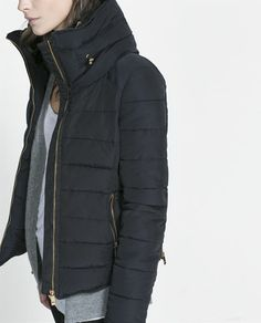 Zara Combined Puffer Anorak jacket in navy with gold zippers. Love the details on the back.