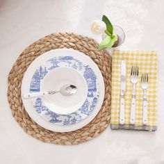 How To: Setting Your Summer Table - Storyboard Table Setting Inspiration, Wisteria, Table Settings, Blue And White, Indoor, Plates, Dining, Storyboard, Simple