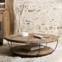 Optez pour le style industriel avec cette table de salon ronde en bois massif et métal noir, composée de deux plateaux