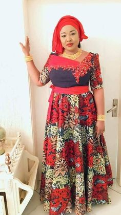 Mama roux Shweshwe Dresses, African Maxi Dresses, African Attire, African Inspired Fashion, African Print Fashion, Africa Fashion, African Blouses, African Traditional Dresses, Queen Fashion