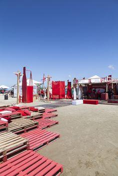 Lounge Coca-Cola  - CRIO Arquiteturas #beach #Photography #coke #coca-cola Photo: Marcelo Donadussi