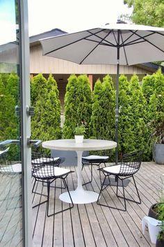 Contemporary Concrete Top Patio Table Concrete Top Dining Table, Cement Patio, Diy Dining Table, Patio Tables, Diy Concrete, Concrete Furniture, Concrete Projects, Polished Concrete, Diy Patio