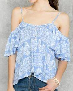 Francesca's Cottonwood Cold Shoulder Top as seen on Lauren Bushnell