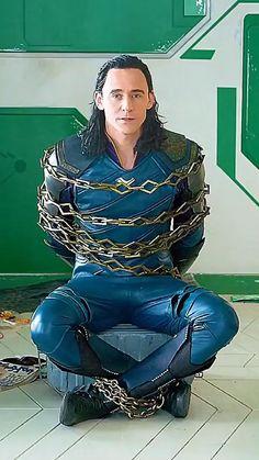 Marvel Comics Superheroes, Marvel Avengers Movies, Loki Avengers, Marvel Films, Marvel Jokes, Loki Thor, Marvel Funny, Marvel Heroes, Marvel Cinematic