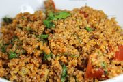 Full of fiber, healthy Turkish bulgur wheat salad, kisir Bulgur Recipes, Vegan Recipes, Vegan Food, Fried Rice, Food And Drink, Healthy Eating, Low Carb, Yummy Food, Salad