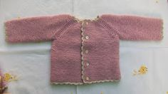 JERSEY EN PUNTO MUSGO ROSA PALO PRIMERA POSTURA          Material   Agujas de punto nº 2,5   Aguja crochet nº 2,5   Lana bebé color rosa pa...