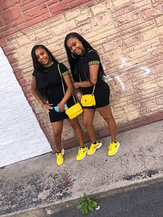 the shoes . Bestfriend Matching Outfits, Matching Outfits Best Friend, Best Friend Outfits, Best Friend Goals, Twin Outfits, Cute Swag Outfits, Dope Outfits, Teen Fashion Outfits, Swagg