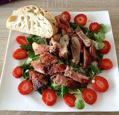 Spargel mit Erdbeeren und Entenbrust