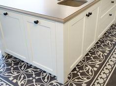 Zijkanten van de keuken ook in dezelfde frontafwerking, mooi detail!