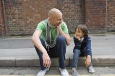 vader zoon 490x325 10 Manieren om kinderen te (bege)leiden zonder straf