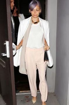 IRO(イロ)白ジャケットにChloe(クロエ)パステルピンクパンツのニコール!・ J Brand(ジェイ・ブランド)のレザーパンツ! 私服最新ファッション画像!・ニコール・リッチー(Nicole Richie) - セレブカジュアルドットコム
