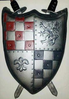 my medieval shield cake