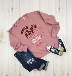 This is something Amanda would wear. Only Chance For Love. Teen Fashion Outfits, Cute Fashion, Outfits For Teens, Trendy Outfits, Cool Outfits, Riverdale Shirts, Riverdale Fashion, Basic White Girl, Fleece Sweater