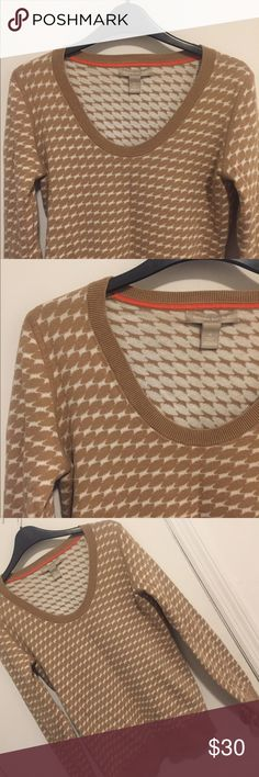 Banana Republic, Soft, Bold Print Sweater Banana Republic, soft, bold print sweater. Great condition, 60% cotton and 40% polyester. Machine washable and super comfy! Banana Republic Sweaters Crew & Scoop Necks