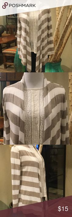 Tan and Ivory striped long cardigan Open cardigan that is striped and drapes really well on the body. Size is large, but fits like a Medium! Great condition! Sweaters Cardigans
