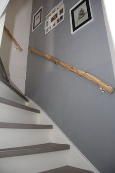 Trapleuning natuurhout www. Banisters, Stair Railing, Flur Design, Small Space Interior Design, Stair Steps, House Stairs, Stair Makeover, Home Living Room, Stairways