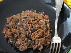 Riz aux haricots noirs à la cubaine Omelette Roulée, Nigella Lawson, Diana, Grains, Rice, Food, Grilled Eggplant, Vegetarian Cooking, Salad
