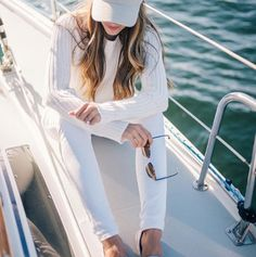 Summer Whites On The Glamorous Fashion Blogger Julia Hengel