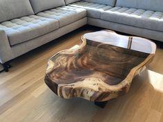 Epoxy Wood Table, Wood Slab Table, Wood Table Design, Rustic Home Design, Rustic Table, Wooden Tables, Resin Furniture, Diy Pallet Furniture, Log Coffee Table